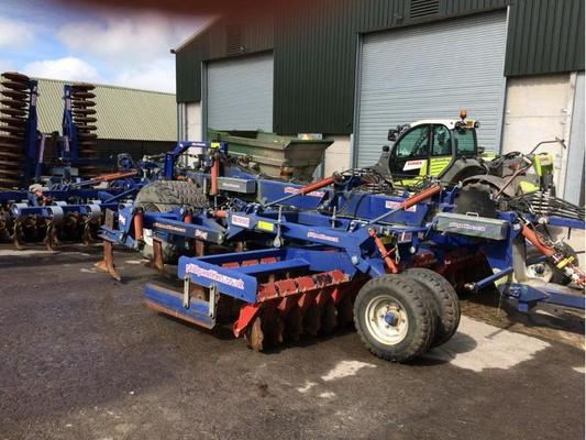 Other 2012 WATKINS 6M QUAD TILL CULTIVATOR C/W 2 ROWS OF DISCS,10 PRO LIFT TINES, KONSKILDE VIBROFLEX TINES AND DD REAR PACKER