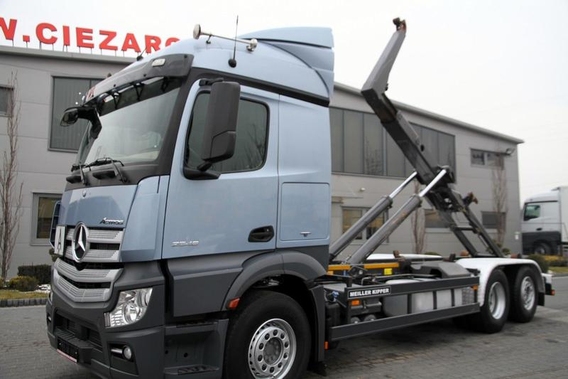 Mercedes-Benz 6x2 ACTROS 2548 E6 HOOKLIFT ROLL OFF HIAB