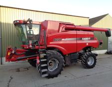Case IH 8230 Axial-Flow Combine