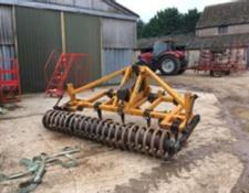 mcconnel 3m Shakerator c/w 7 legs and rear coil.
